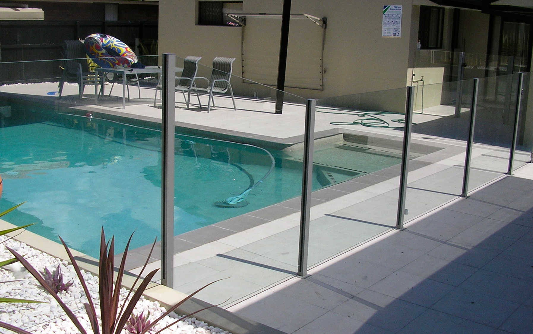 Pool fencing gold coast and brisbane for Glass pool fences