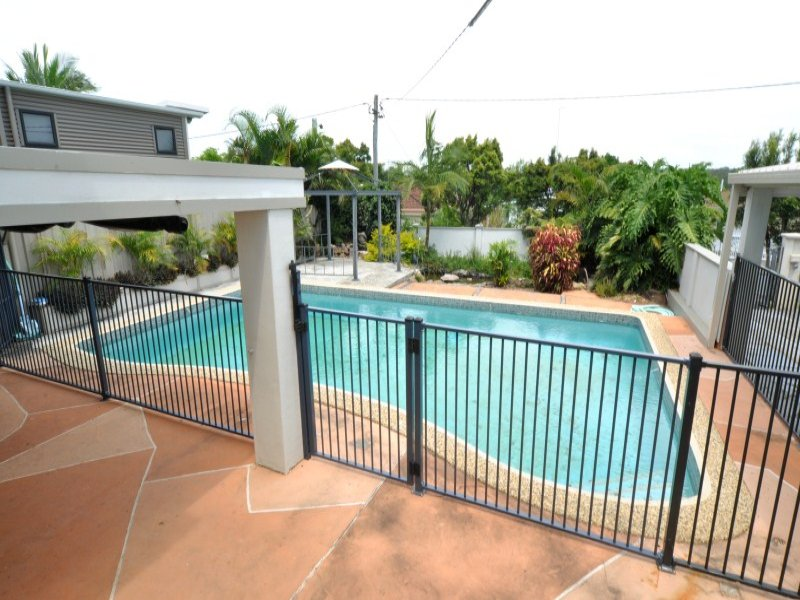 FLAT TOP POOL FENCING