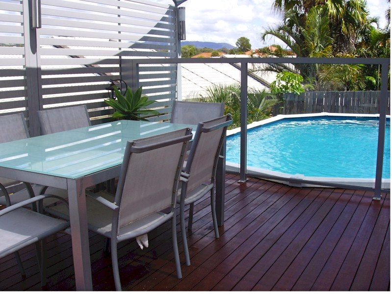 Pool fencing gold coast and brisbane for Privacy pool screen
